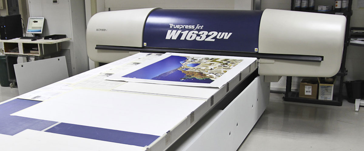Wide format screen flatbed digital printer is ideal for printing on to thick and textured substrates.